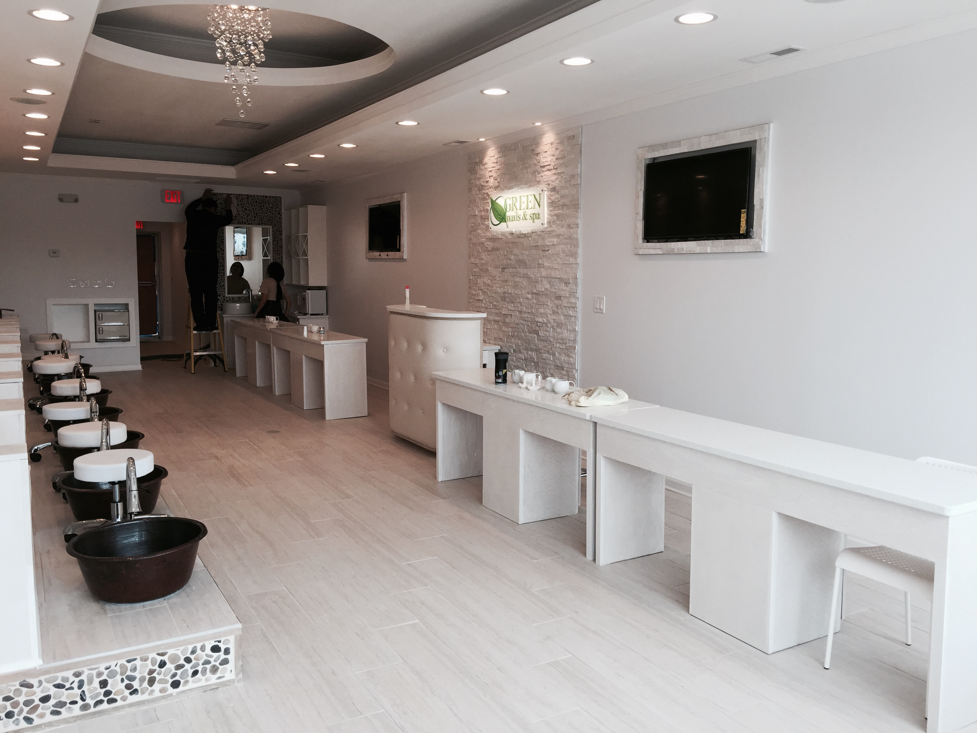 Green nails spa design by mongol group construction for Salon construction